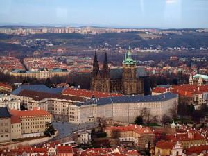 640px-Pražský_hrad_z_Petřína (2)